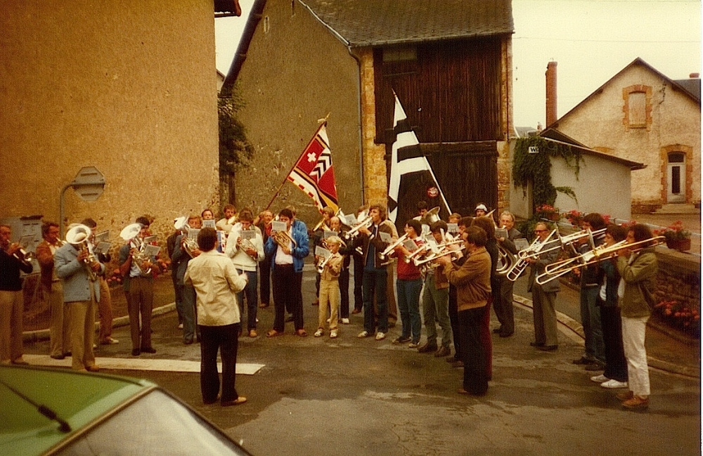 fanfare-avry-9-aout-1981-a-vesdun